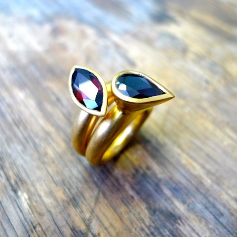 tawny-phillips-contemporary-garnet-gold-wedding-rings